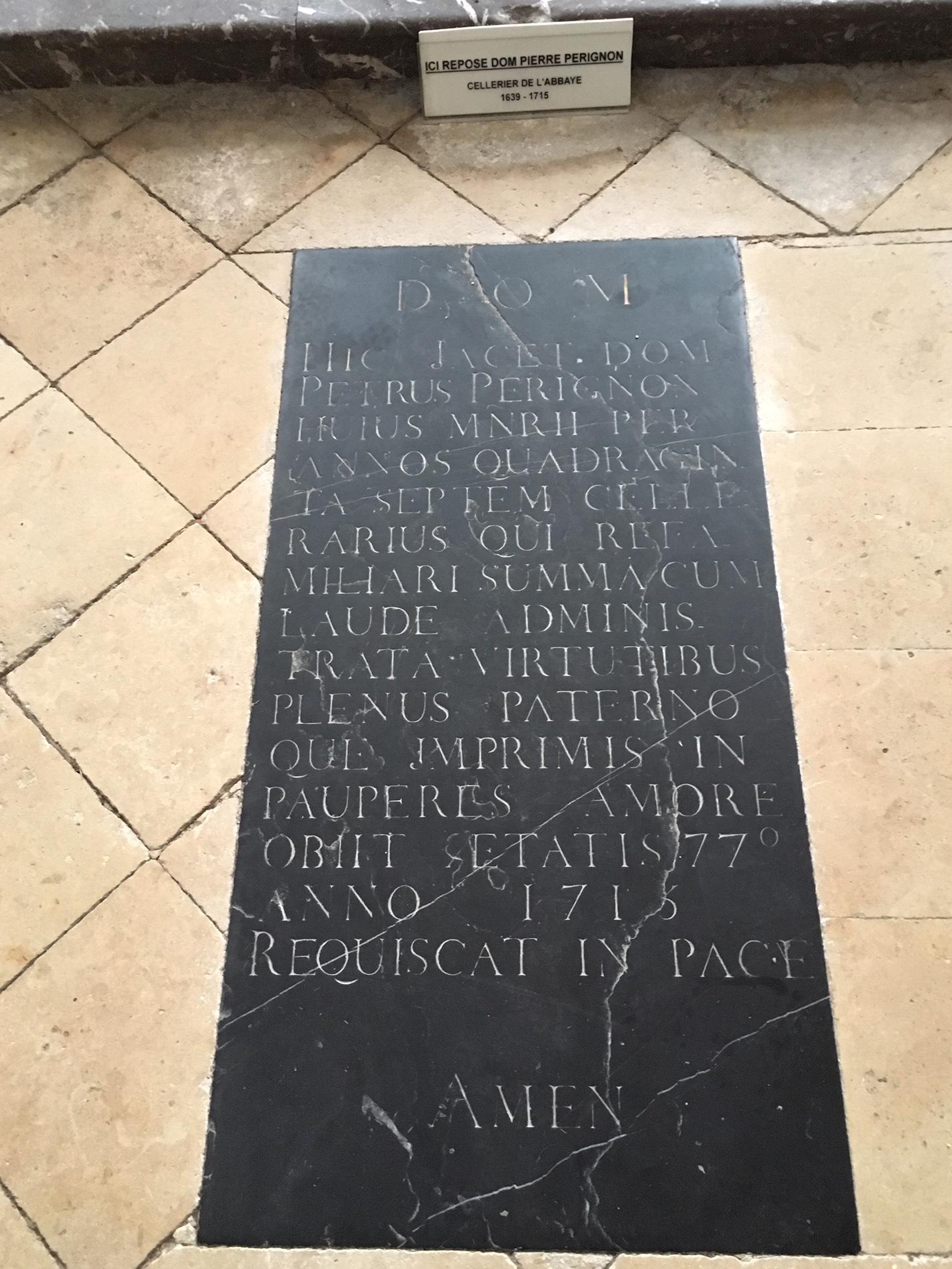 La tomba dell'abate Dom Pérignon (foto di Germana Cabrelle)