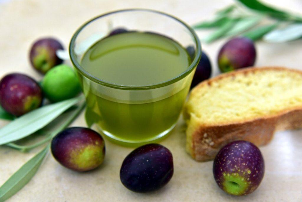 olio di oliva prodotto tipico monti cimini