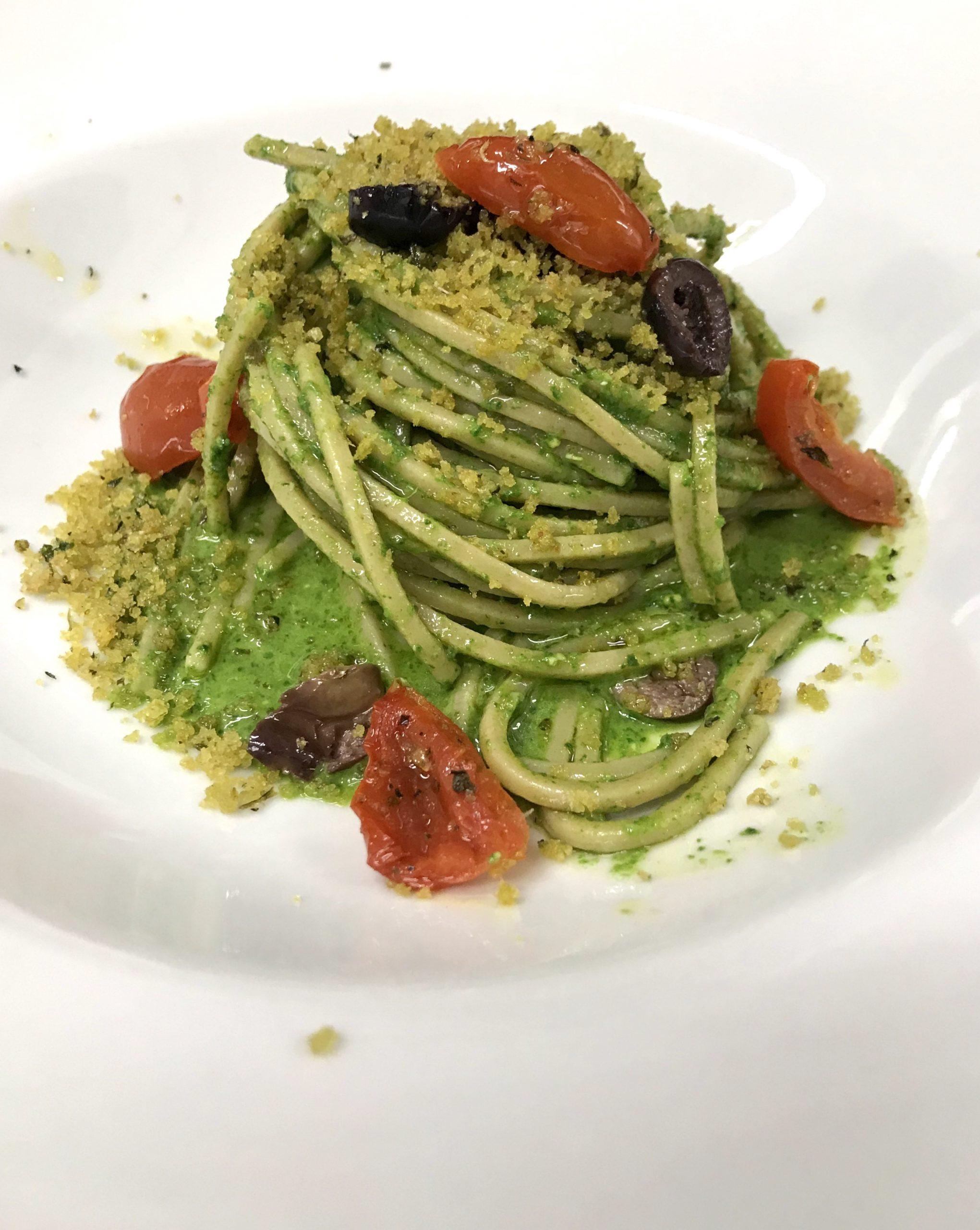 ricetta spaghetto pesto di spinaci