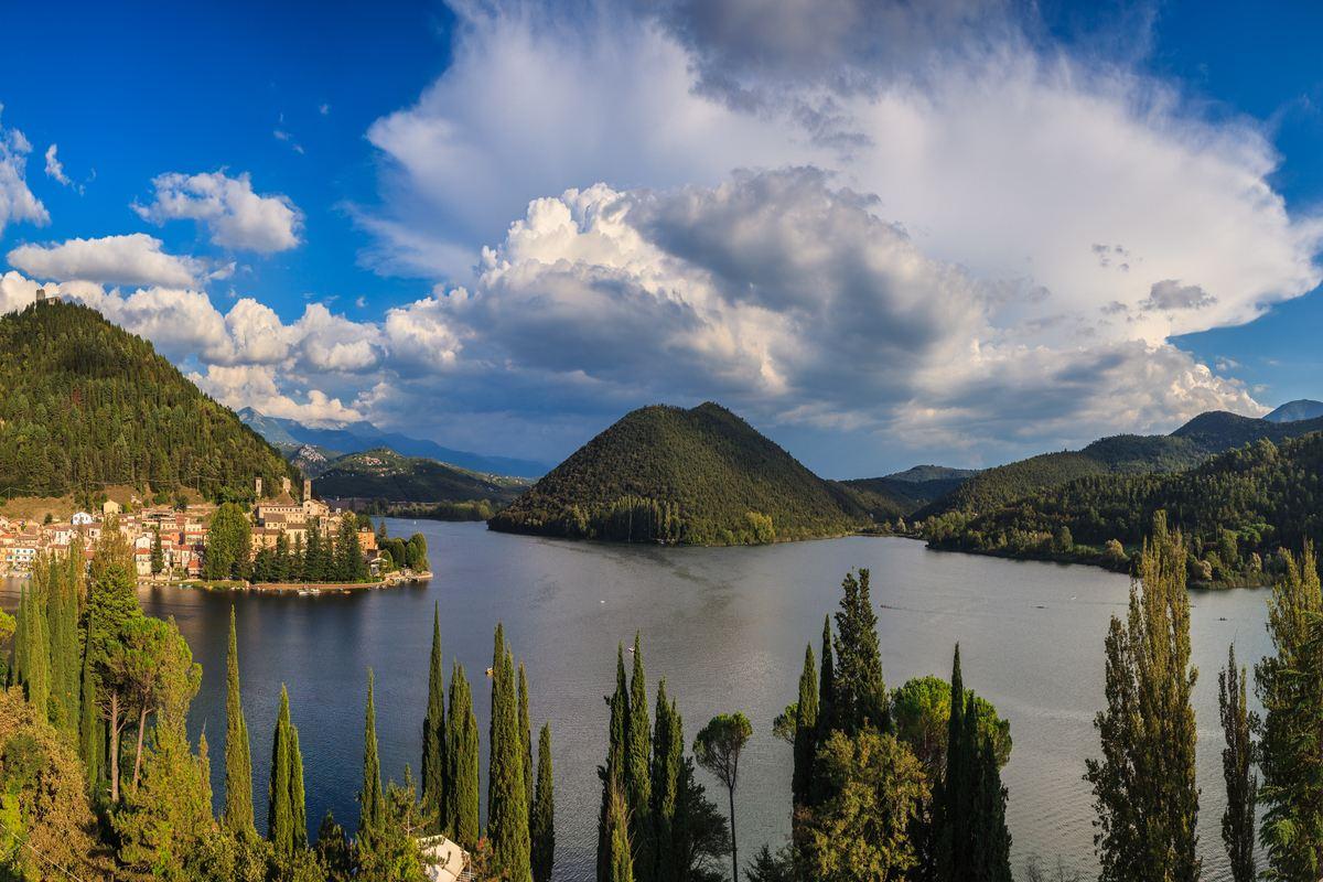 lago di piediluco turismo in umbria